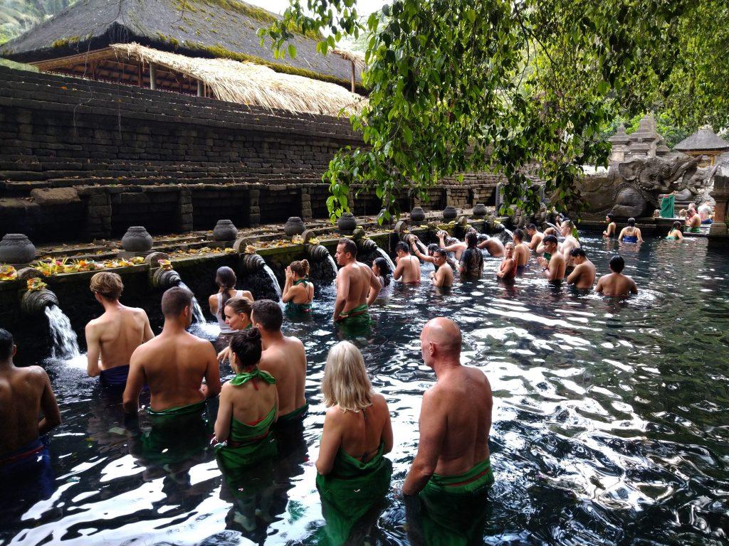 Holy-Spring-Pool-in-Pura-Tirta-Empul-Tempel-Bali-Tourist-Attraction